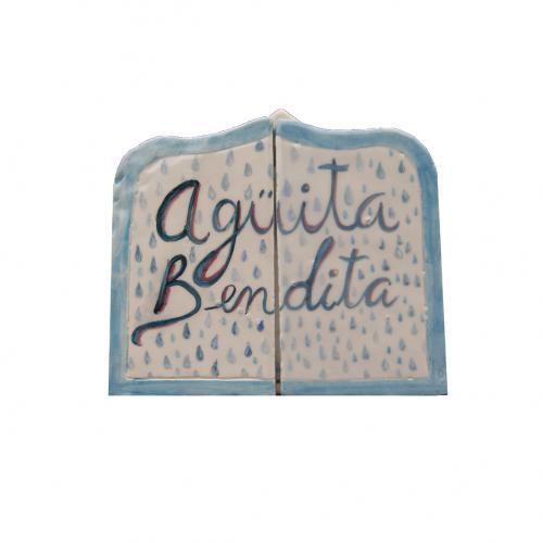 Agüita Bendita - Cerámica, pigmento y esmalte - 21x23,5x2cm (cerrado)